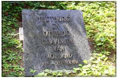 014-Grafsteen-bij-de-Abdij